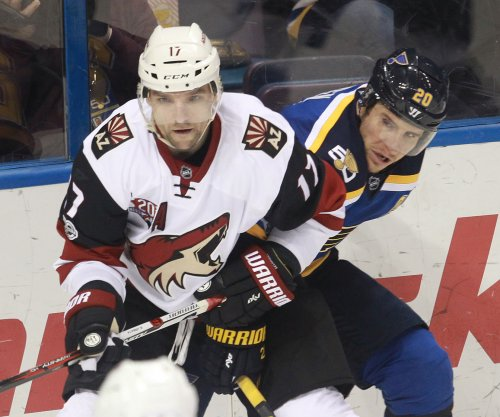 Jaden Schwartz scores twice to lead St. Louis Blues past Arizona Coyotes