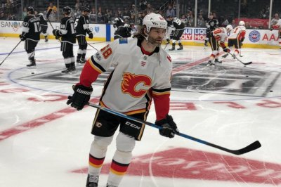 Jaromir Jagr makes Calgary Flames debut