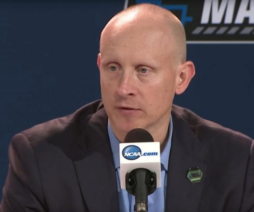 Xavier's Chris Mack agrees to 7-year, $28M deal to coach Louisville