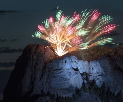 Trump calls for statuary garden at Mount Rushmore Fourth of July event