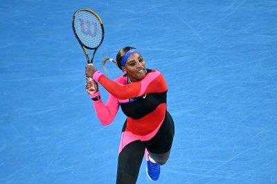 Australian Open tennis: Serena knocks off Halep, sets up Osaka semifinal