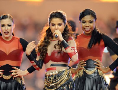 Selena Gomez cancels Australian tour: 'I need to spend some time on myself'