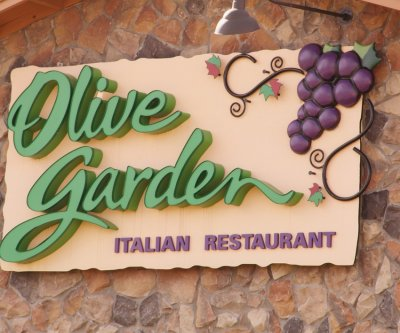 Olive Garden offers free babysitting for annual date night