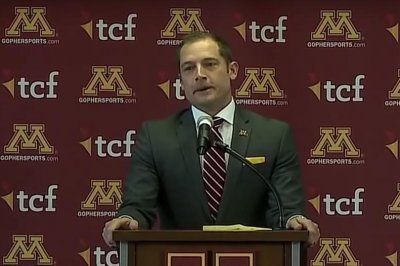 Minnesota hires Western Michigan's P.J. Fleck as coach
