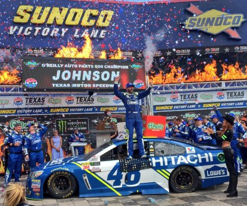 Jimmie Johnson wins lucky No. 7 at Texas Motor Speedway