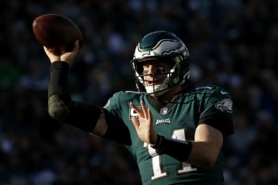 Philadelphia Eagles QB Carson Wentz back at practice, expects to play Week 1