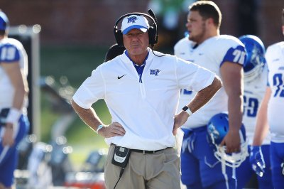 No. 17 Kentucky hopes offense comes alive vs. Middle Tennessee