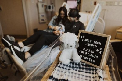 Phillies star Bryce Harper becomes father to baby boy