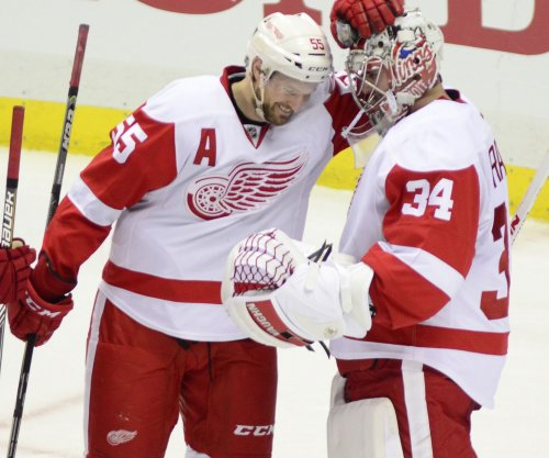 Red Wings try to get playoff push on track vs. Hurricanes