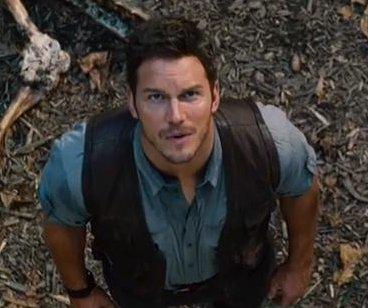 'Jurassic World' debuts first full trailer