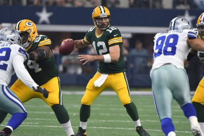 Green Bay Packers QB Aaron Rodgers day-to-day