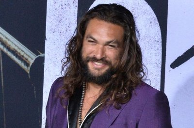 Jason Momoa apologizes to Chris Pratt for plastic water bottle criticism