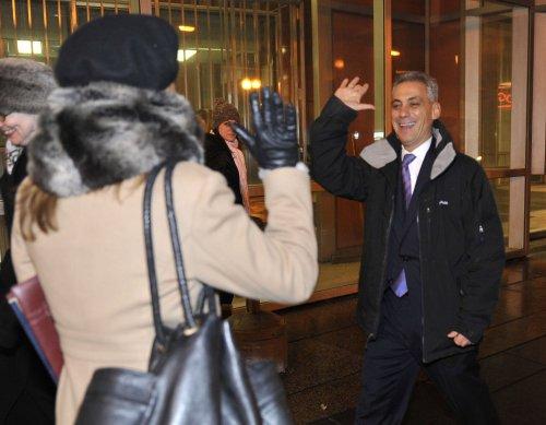Chicago mayor hopefuls support spot-saving