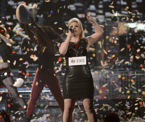 Kelly Clarkson, Pitbull join 'VH1 Divas' lineup