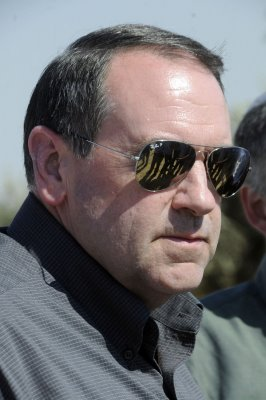 GOP gives Huckabee high favorable rating