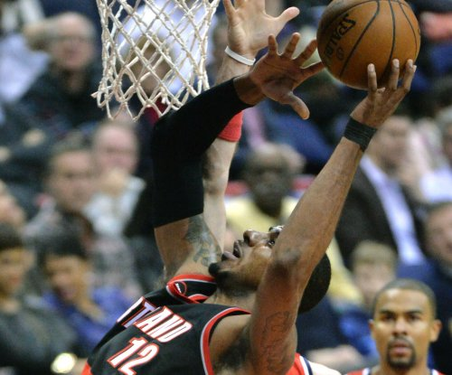 Report: Aldridge steps back to consider plans