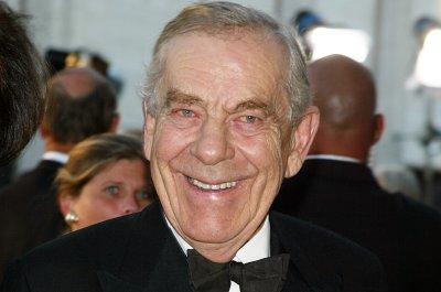 CBS '60 Minutes' newsman Morley Safer dies at 84