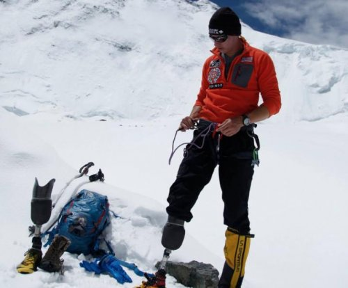 First combat amputee climbs Mount Everest