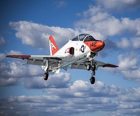 Navy lifting ban on T-45 pilot trainer flights