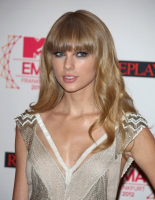 Swift dating One Direction's Styles?