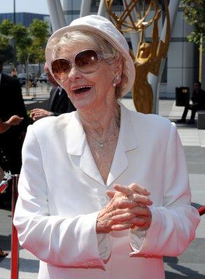 Elaine Stritch sued by writer