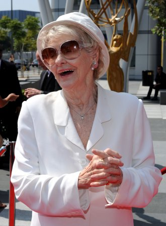 Elaine Stritch sued by writer