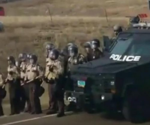 Police again start arresting protesters near contested North Dakota pipeline