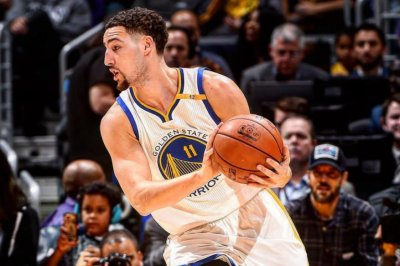 Golden State Warriors top Los Angeles Lakers for 10th straight win