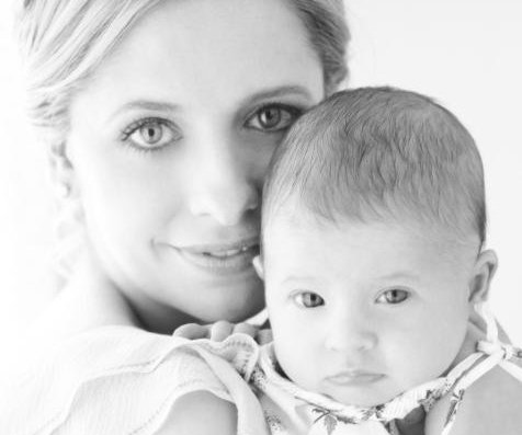 Sarah Michelle Gellar says she struggled with postpartum depression