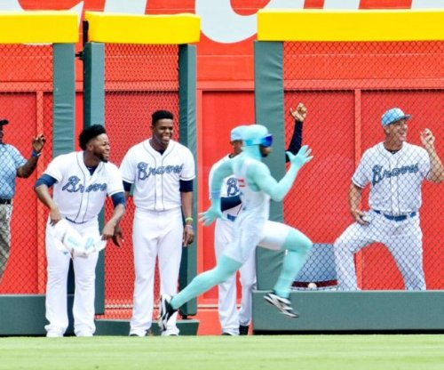 Atlanta Braves' 'The Freeze' loses another race to fan