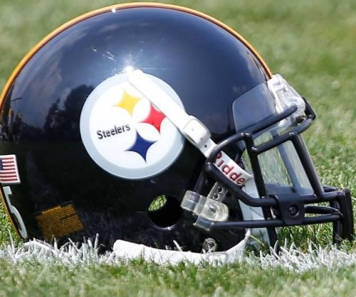 Former Pittsburgh Steelers DE Rivera dies