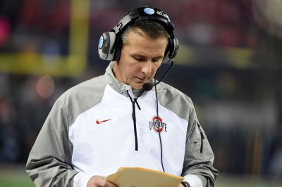 Ohio State Buckeyes coach Urban Meyer defends himself in statement