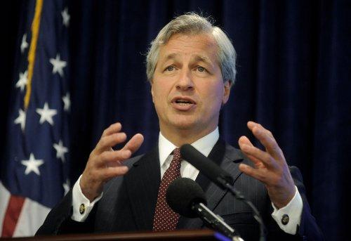 Shareholders approve Dimon's $23 million