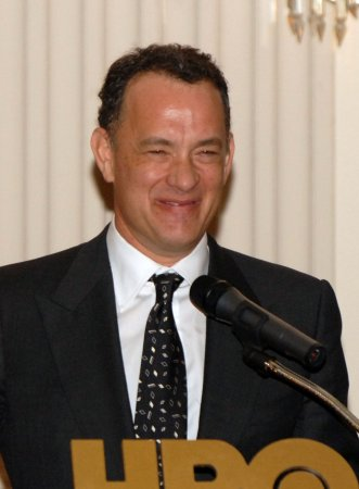 Hanks helps stranded bride in Rome