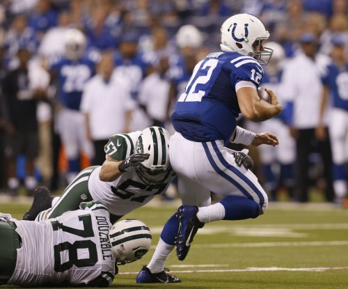 Indianapolis Colts sign QB Josh Johnson after starter Andrew Luck injured