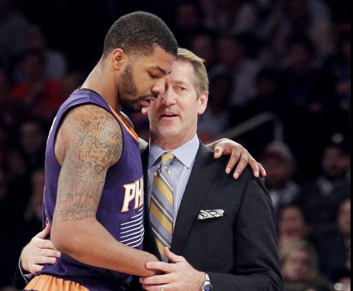 Phoenix Suns' Markieff Morris offers apology for towel toss