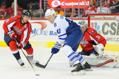 Matt Niskanen's goal lifts Washington Capitals past Toronto Maple Leafs