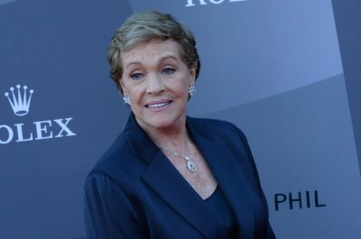 Julie Andrews to reflect on career at live show in London