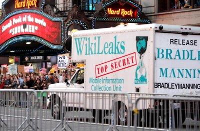 Investigators show Manning-WikiLeaks links