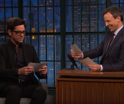 John Stamos reads scathing 'Fuller House' reviews on 'Late Night'