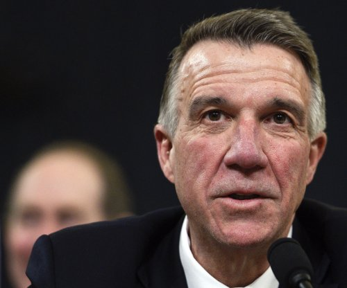Gov. says he'll make Vermont the latest state to pass gun control law