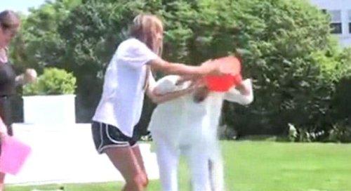 Politicians partake in ALS Ice Bucket Challenge