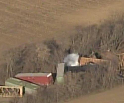 Entire town of Ellendale, Minn., evacuated due to train derailment
