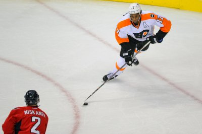 Nashville Predators acquire Wayne Simmonds from Philadelphia Flyers