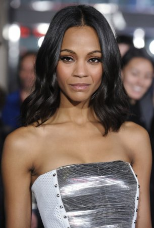 Adams, Saldana to be Globes presenters