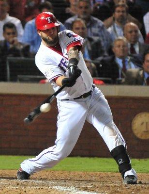 MLB: Texas 4, St. Louis 2