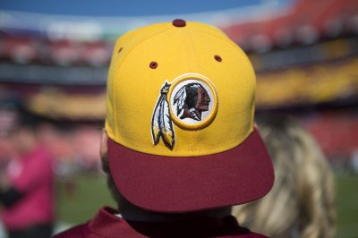 NFL commissioner Roger Goodell says Redskins' name 'honors Native Americans'