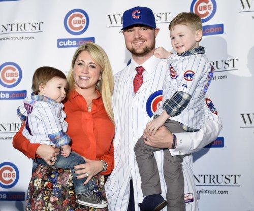 Chicago Cubs ink Jon Lester