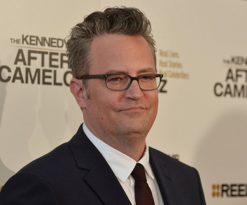 Matthew Perry denies 'Friends' co-stars slept together