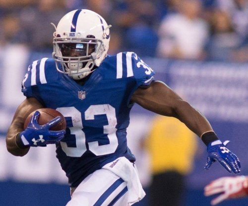 Indianapolis Colts shuffle backfield, place Robert Turbin on injured reserve